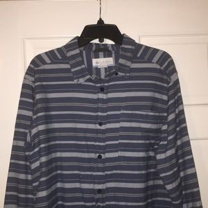 Columbia button down size large